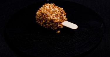 Croccantino di foie gras con cuore di Aceto Balsamico Tradizionale di Modena
