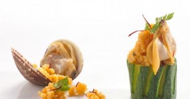 Cilindretti di zucchine ripieni di cous cous e vongole