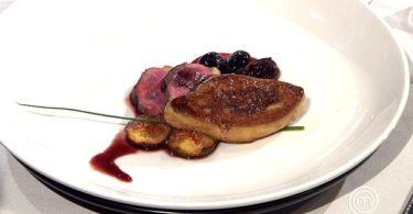Petto d'anatra con salsa di ciliegie e foie gras
